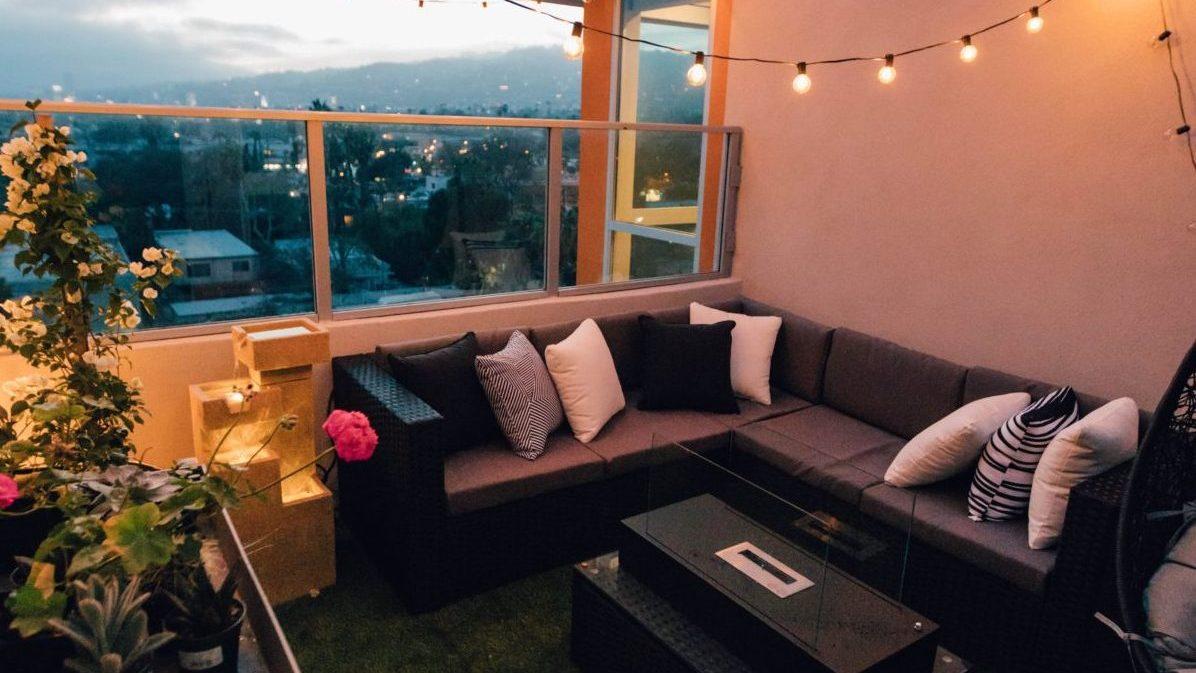 23+ 8 Ideen für den Balkon Kleine grüne Oase Stock